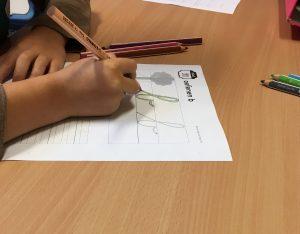 Oefenen van de letter b met kleurpotloden